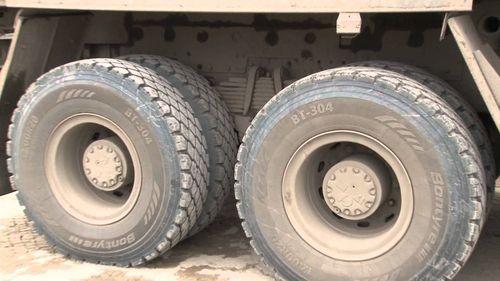 Шины грузового автомобиля