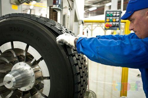 Восстановление резинового протектора шины
