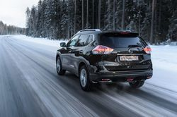 Управление автомобиля на ледяной дороге